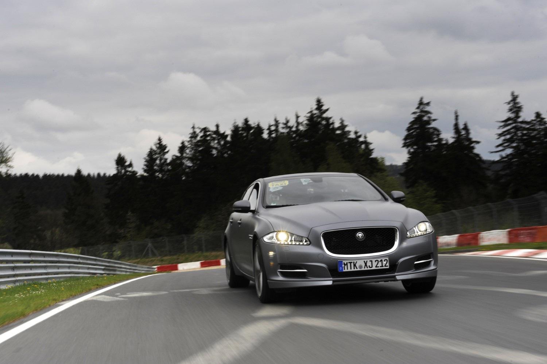 Sportowa jazda Jaguarem na Nürburgring