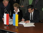 Podpisanie umowy między PCO S.A. a firmą Aviakon